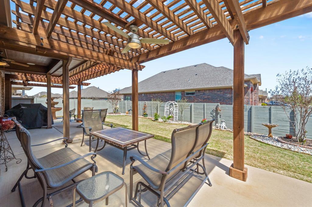 200 Oakmont Drive, Northlake, Texas 76226 - acquisto real estate best realtor foreclosure real estate mike shepeherd walnut grove realtor