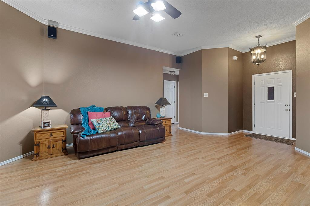 101 Saint James  Court, Rhome, Texas 76078 - acquisto real estate best prosper realtor susan cancemi windfarms realtor