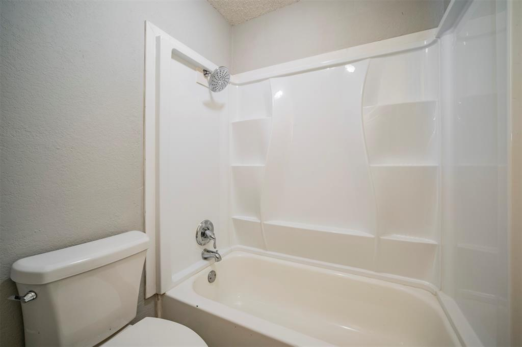 6230 Fernwood  Drive, Arlington, Texas 76001 - acquisto real estate best photos for luxury listings amy gasperini quick sale real estate