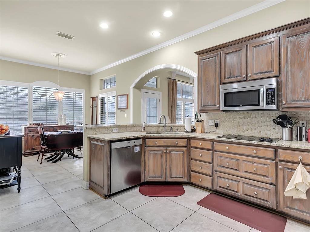 22 Whispering Oaks Drive, Denison, Texas 75020 - acquisto real estate best celina realtor logan lawrence best dressed realtor