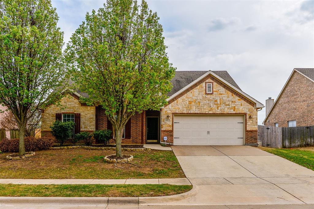 1482 Park Crest Drive, Crowley, Texas 76036 - acquisto real estate best allen realtor kim miller hunters creek expert