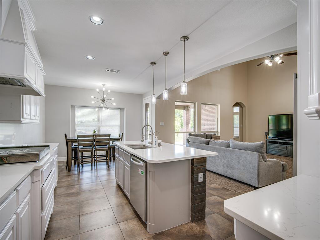 1310 Billingsley  Drive, Waxahachie, Texas 75167 - acquisto real estate best new home sales realtor linda miller executor real estate