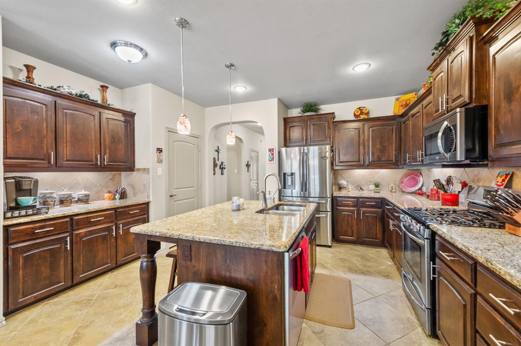 200 Oakmont Drive, Northlake, Texas 76226 - acquisto real estate best real estate company to work for