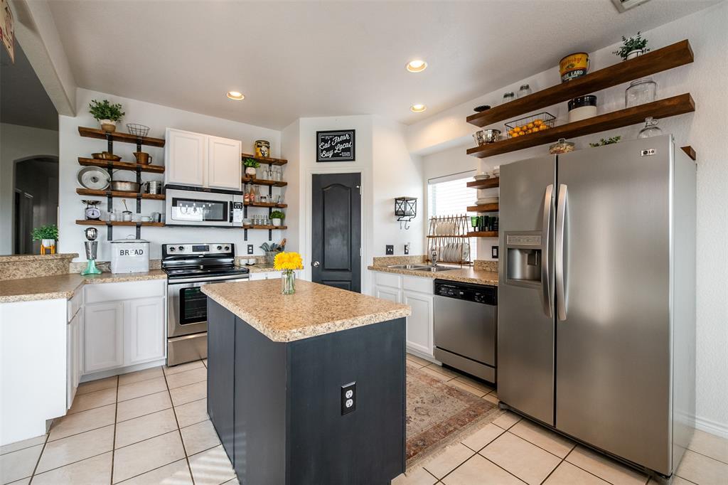 1482 Park Crest Drive, Crowley, Texas 76036 - acquisto real estate best highland park realtor amy gasperini fast real estate service