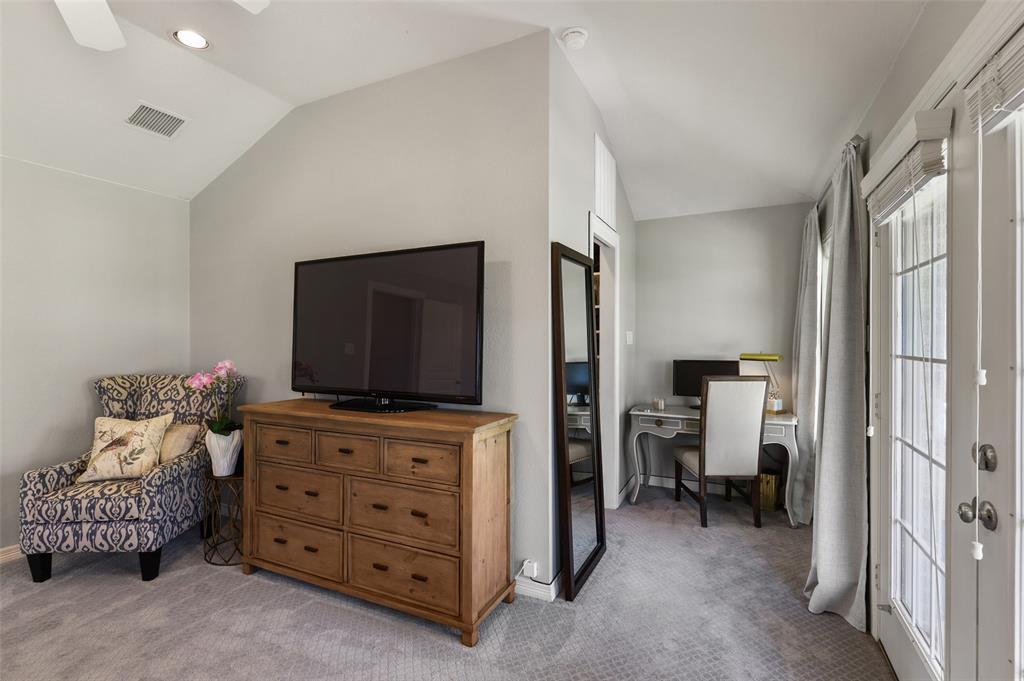 6843 La Vista  Drive, Dallas, Texas 75214 - acquisto real estate best investor home specialist mike shepherd relocation expert
