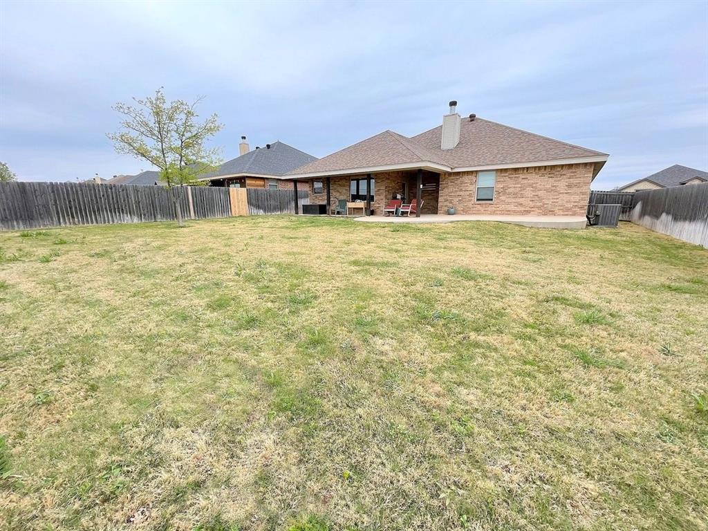 857 Great Waters Drive, Abilene, Texas 79602 - acquisto real estate best plano real estate agent mike shepherd