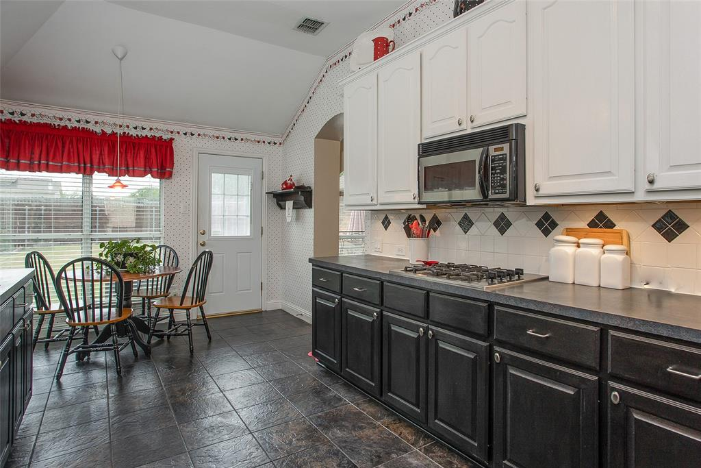 1828 Lacey Oak  Lane, Keller, Texas 76248 - acquisto real estate best celina realtor logan lawrence best dressed realtor