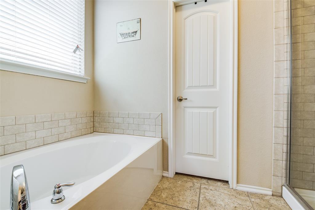 413 Riverstone  Way, McKinney, Texas 75072 - acquisto real estate best investor home specialist mike shepherd relocation expert