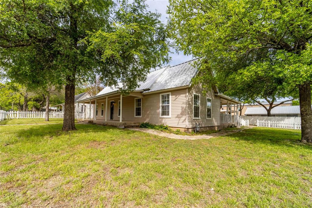 1065 Pecan  Street, Stephenville, Texas 76401 - Acquisto Real Estate best plano realtor mike Shepherd home owners association expert
