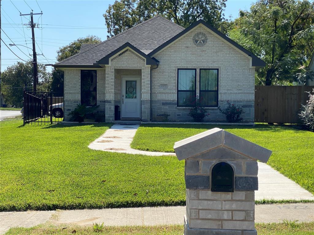 3814 Sunnyvale  Street, Dallas, Texas 75216 - acquisto real estate best highland park realtor amy gasperini fast real estate service