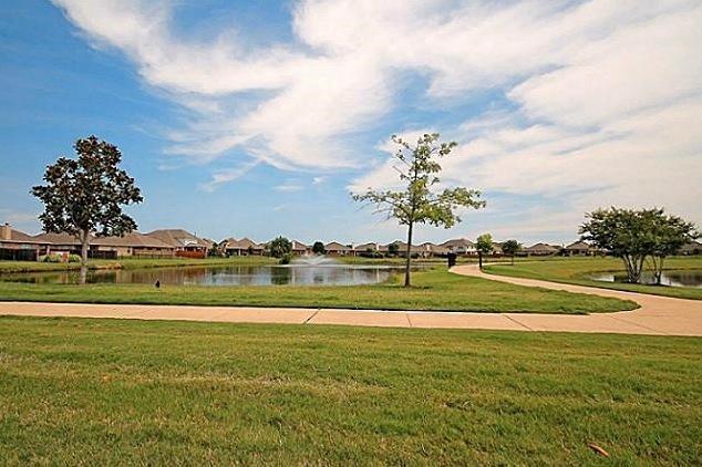 2860 Evening Mist Drive, Little Elm, Texas 75068 - acquisto real estate best listing photos hannah ewing mckinney real estate expert