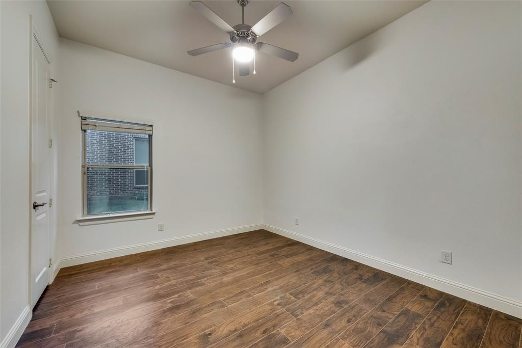 1024 Holston Hills  Trail, Roanoke, Texas 76262 - acquisto real estate best realtor foreclosure real estate mike shepeherd walnut grove realtor