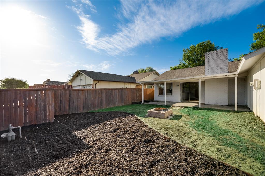 2205 Greenvalley  Drive, Carrollton, Texas 75007 - acquisto real estate best frisco real estate agent amy gasperini panther creek realtor