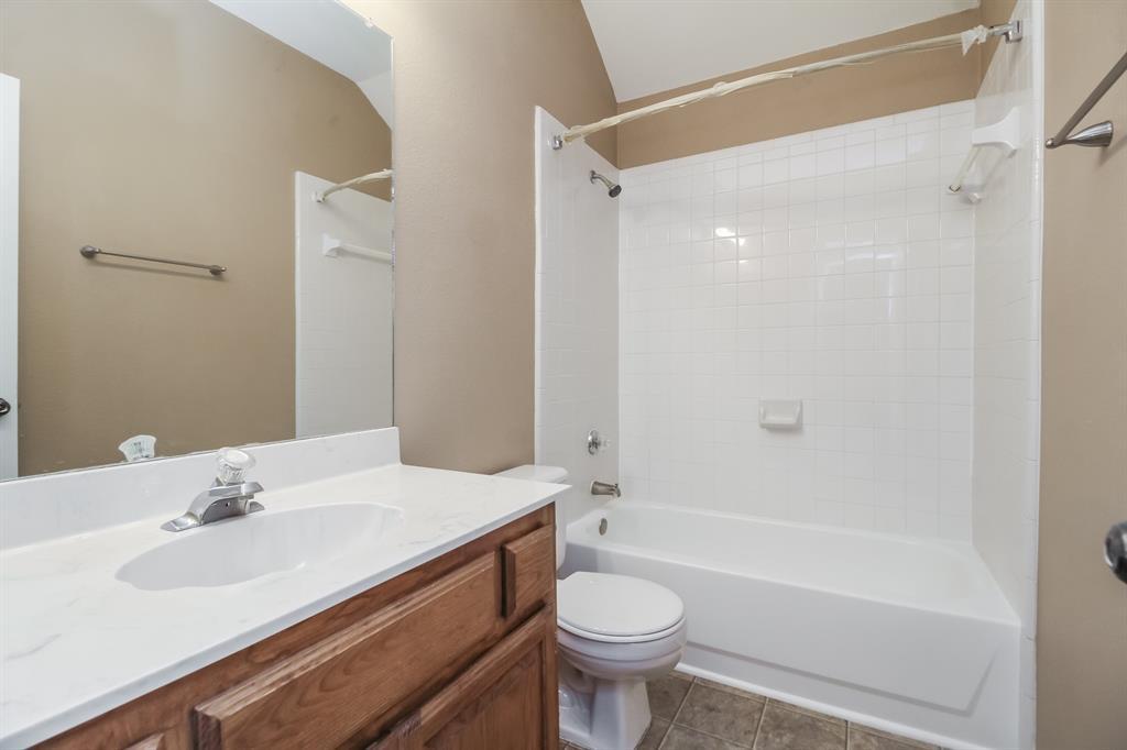 1453 Ridgecreek  Drive, Lewisville, Texas 75067 - acquisto real estate best designer and realtor hannah ewing kind realtor