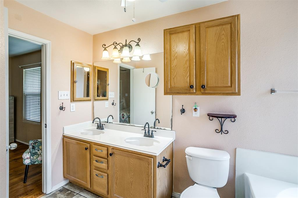 2529 Castle Pines Drive, Burleson, Texas 76028 - acquisto real estate best realtor dallas texas linda miller agent for cultural buyers