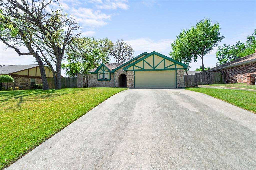 413 Salem  Drive, Hurst, Texas 76054 - acquisto real estate best plano real estate agent mike shepherd