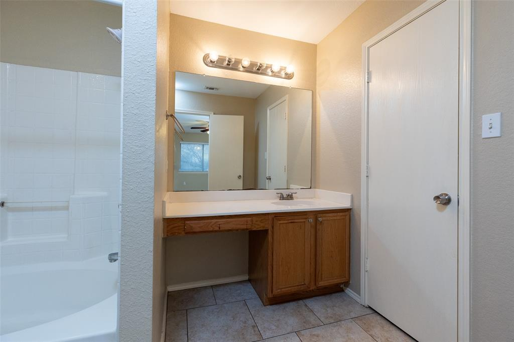 6209 Brookknoll  Drive, Arlington, Texas 76018 - acquisto real estate best designer and realtor hannah ewing kind realtor