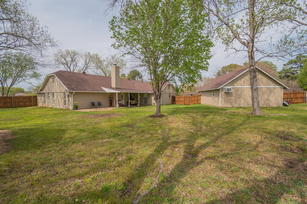 104 Oak Lane, Burleson, Texas 76028 - acquisto real estate agent of the year mike shepherd