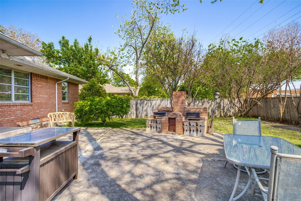 406 Frances  Way, Richardson, Texas 75081 - acquisto real estate best realtor foreclosure real estate mike shepeherd walnut grove realtor