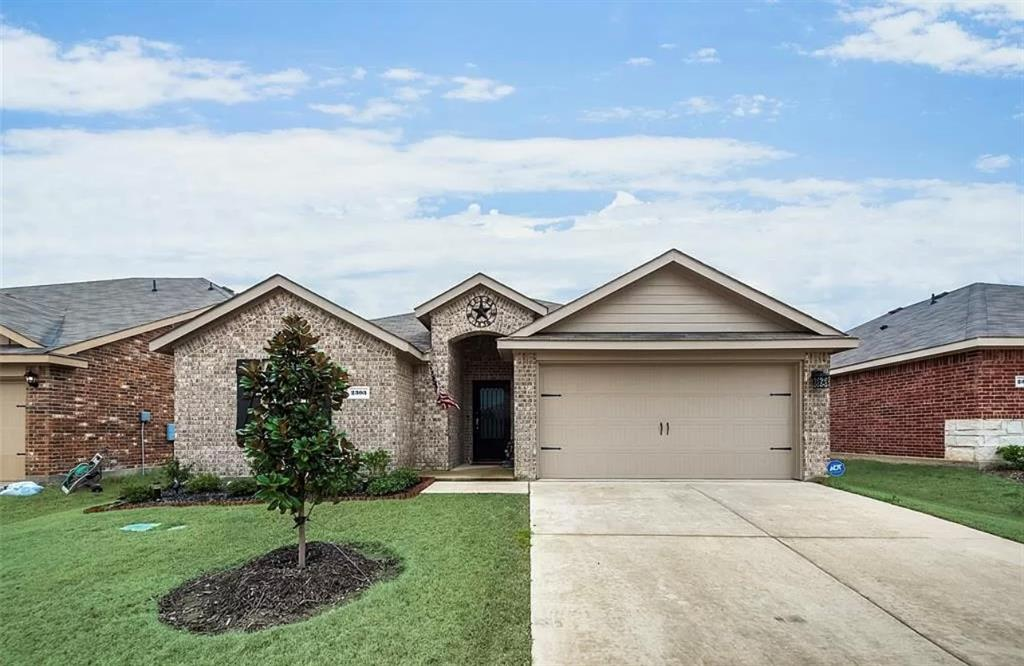 2303 Pontotoc  Drive, Forney, Texas 75126 - Acquisto Real Estate best plano realtor mike Shepherd home owners association expert