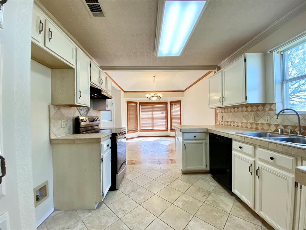 8804 Crestbrook Drive, Fort Worth, Texas 76179 - acquisto real estate best listing listing agent in texas shana acquisto rich person realtor