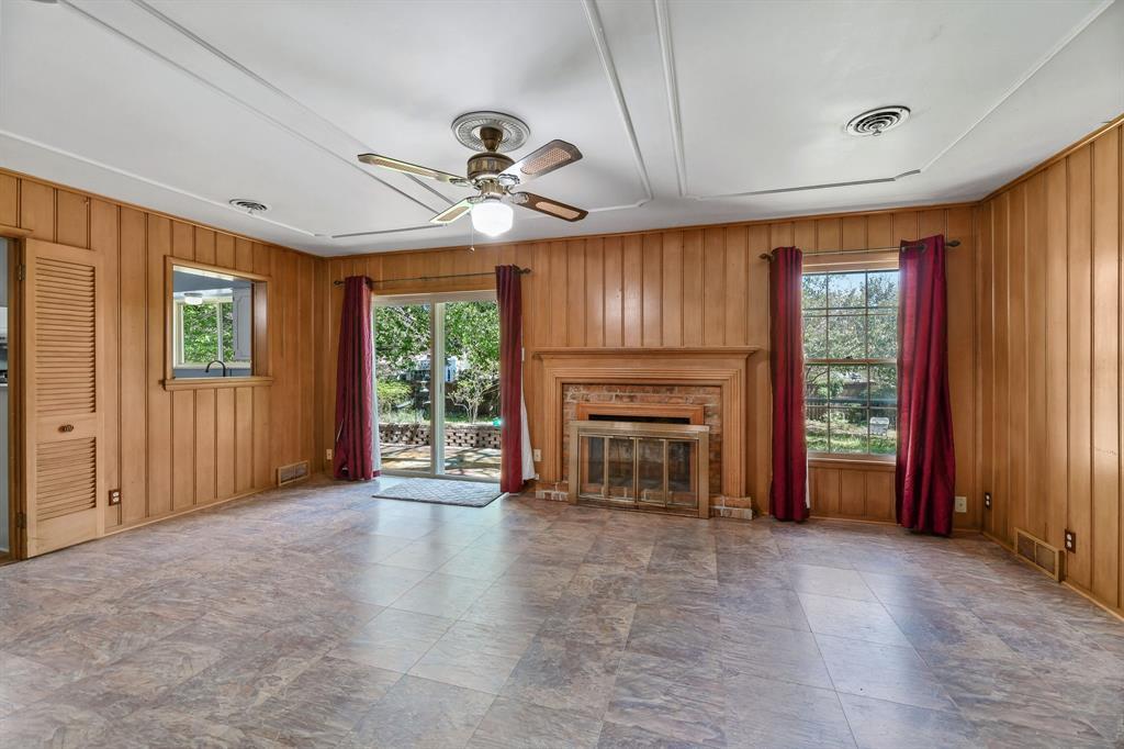 2428 Oakridge Street, Denton, Texas 76209 - acquisto real estate best real estate company to work for
