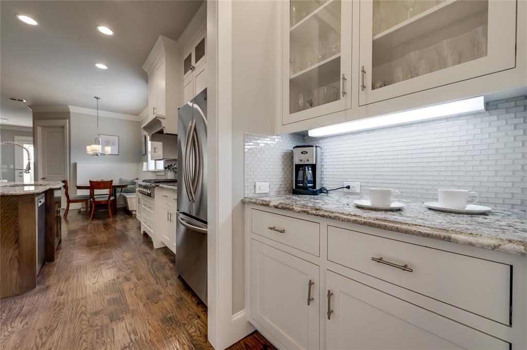 5913 Vickery  Boulevard, Dallas, Texas 75206 - acquisto real estate mvp award real estate logan lawrence