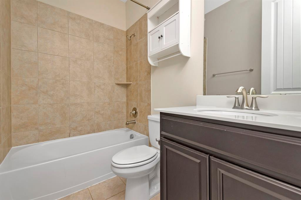 1395 Sandhurst  Drive, Roanoke, Texas 76262 - acquisto real estate best celina realtor logan lawrence best dressed realtor