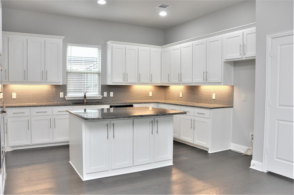 2606 Kuykendall Drive, Arlington, Texas 76001 - acquisto real estate best real estate company to work for