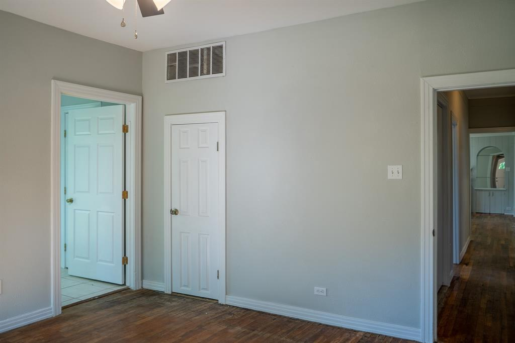 1101 Earl  Street, Commerce, Texas 75428 - acquisto real estate best park cities realtor kim miller best staging agent