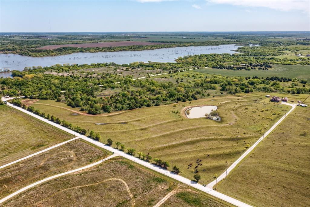 252 Emberson Ranch  Road, Pilot Point, Texas 76258 - acquisto real estate best relocation company in america katy mcgillen