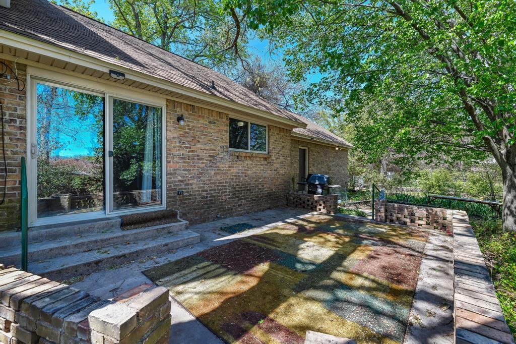 2428 Oakridge Street, Denton, Texas 76209 - acquisto real estate best realtor dfw jody daley liberty high school realtor