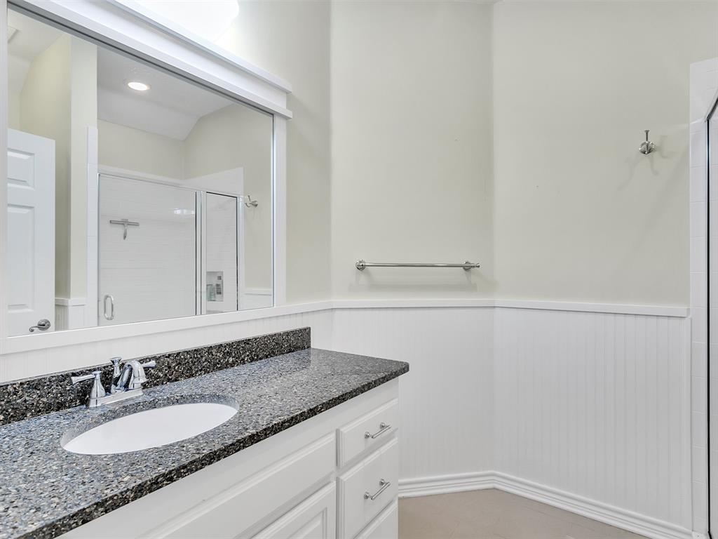 22 Whispering Oaks Drive, Denison, Texas 75020 - acquisto real estate best negotiating realtor linda miller declutter realtor