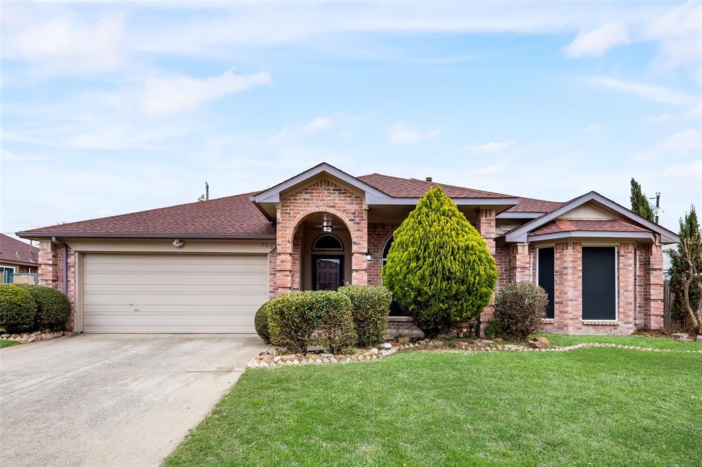 820 Miles  Lane, Cedar Hill, Texas 75104 - Acquisto Real Estate best mckinney realtor hannah ewing stonebridge ranch expert