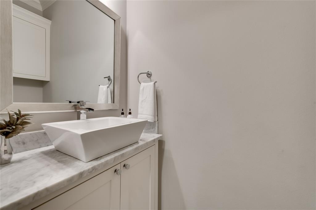5913 Vickery  Boulevard, Dallas, Texas 75206 - acquisto real estate best relocation company in america katy mcgillen