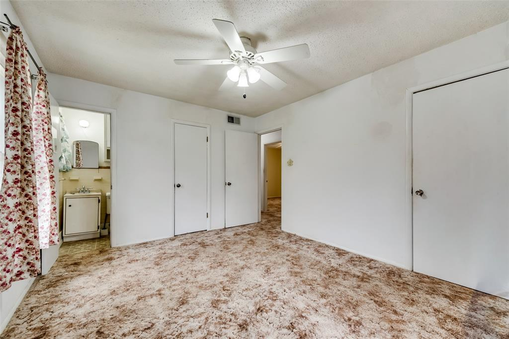 424 Hurstview Drive, Hurst, Texas 76053 - acquisto real estate best investor home specialist mike shepherd relocation expert