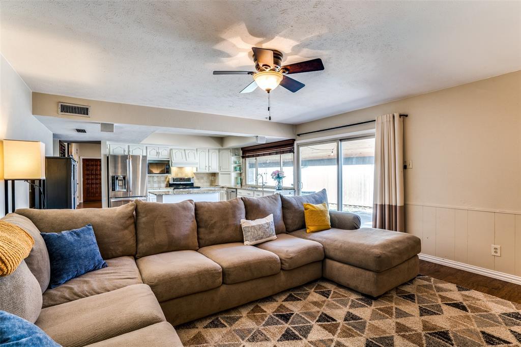 10954 Middle Knoll Drive, Dallas, Texas 75238 - acquisto real estate best prosper realtor susan cancemi windfarms realtor