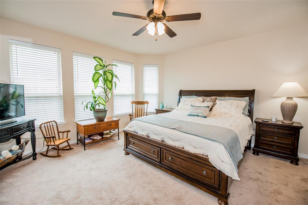 1604 Pacific Avenue, Ennis, Texas 75119 - acquisto real estate best frisco real estate broker in texas for high net worth buyers
