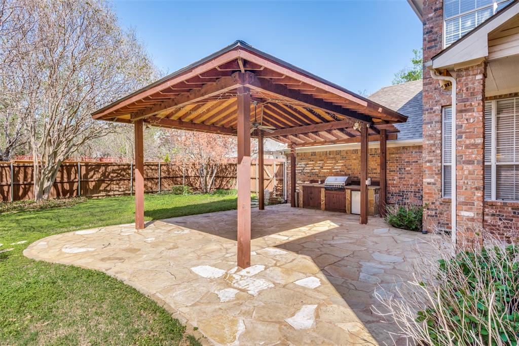 2109 Mossy Oak Drive, Irving, Texas 75063 - acquisto real estate best frisco real estate agent amy gasperini panther creek realtor