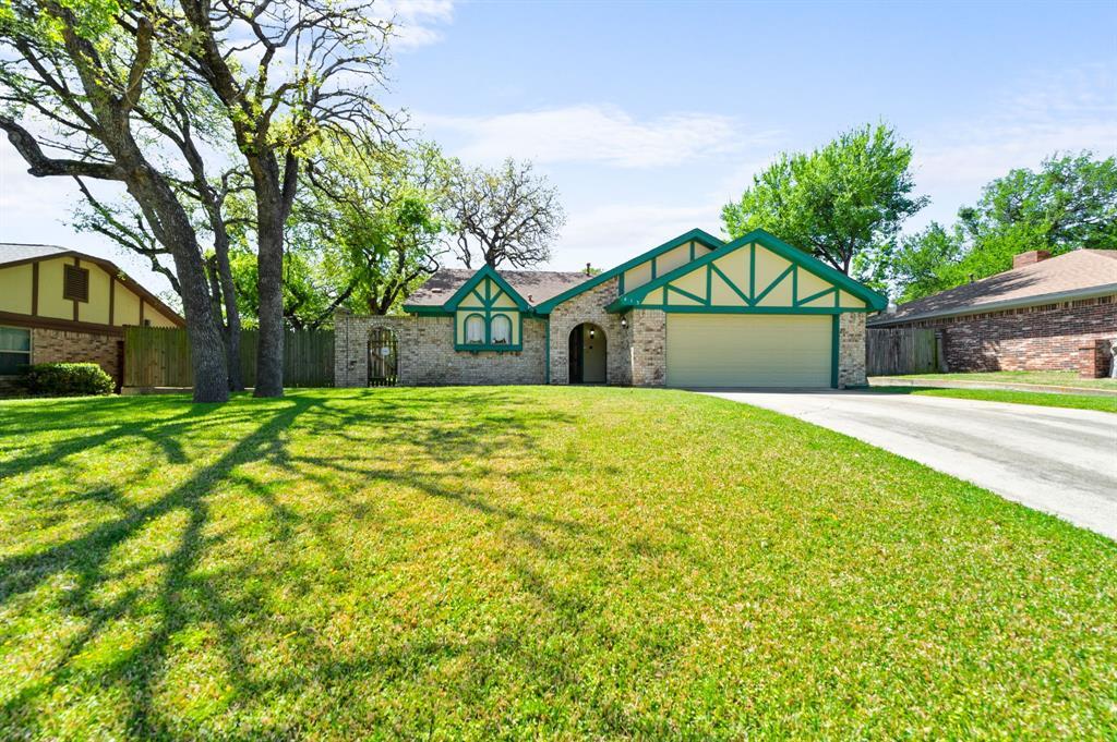 413 Salem  Drive, Hurst, Texas 76054 - acquisto real estate best park cities realtor kim miller best staging agent