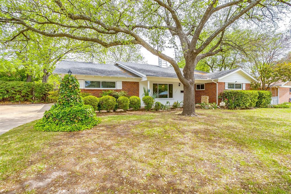 4001 Plantation  Drive, Benbrook, Texas 76116 - Acquisto Real Estate best mckinney realtor hannah ewing stonebridge ranch expert