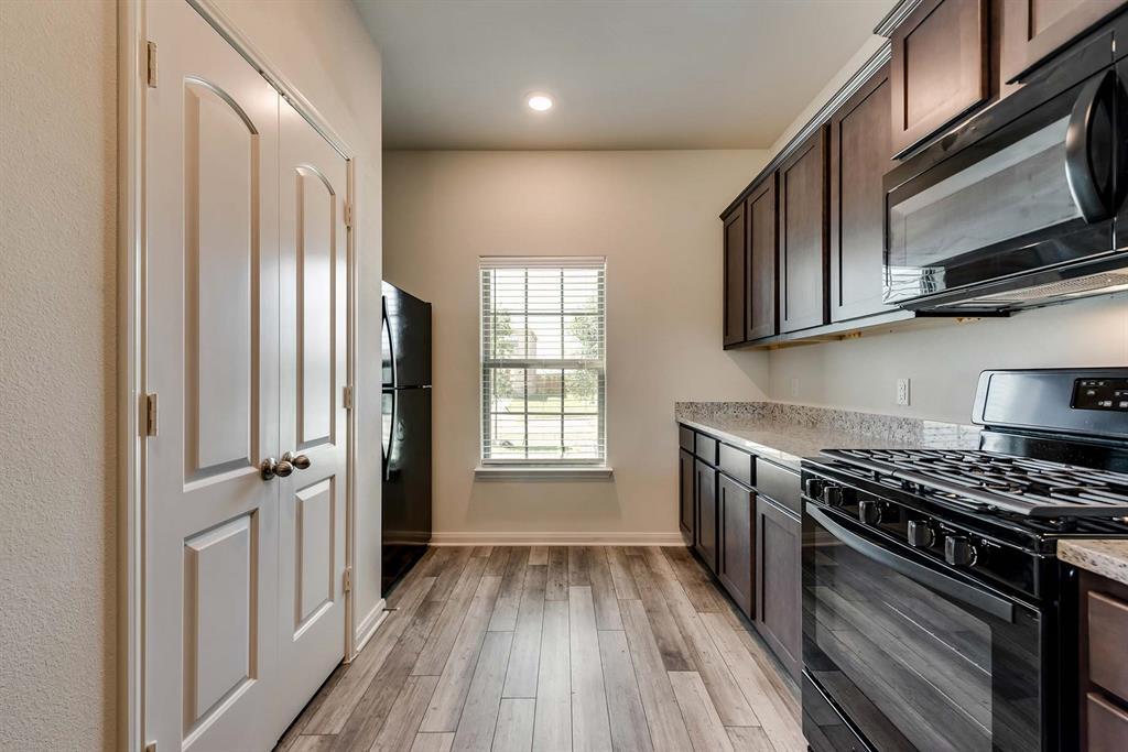 3068 Chillingham Drive, Forney, Texas 75126 - acquisto real estate best real estate company to work for
