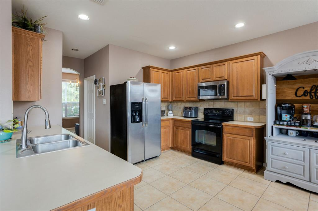 886 Bowie  Drive, Lavon, Texas 75166 - acquisto real estate best allen realtor kim miller hunters creek expert