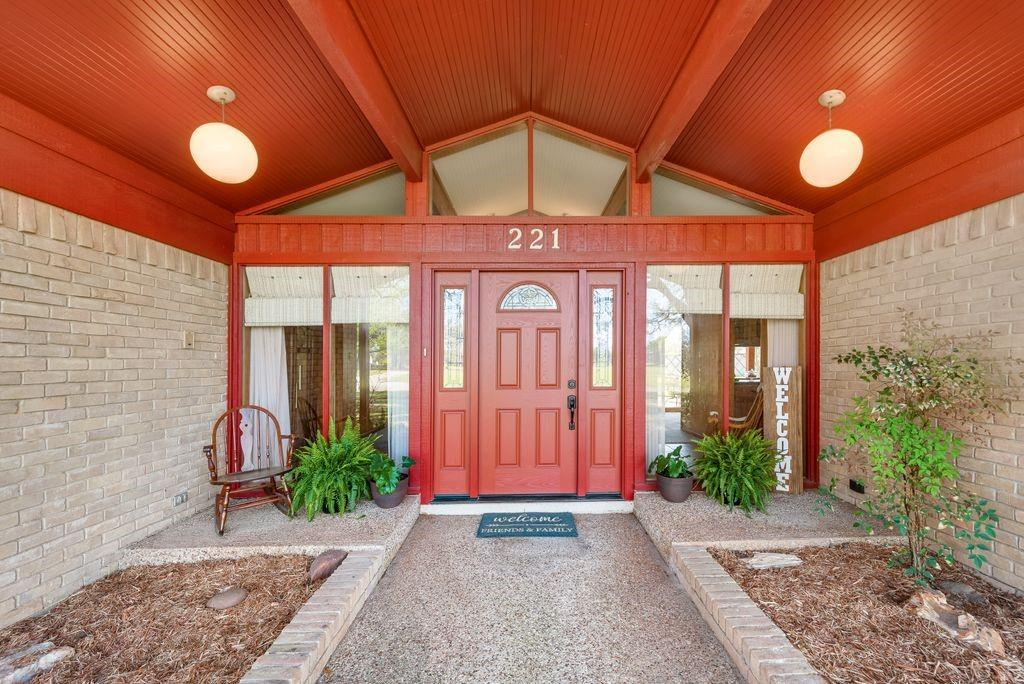 221 Laurel Lane, Fairfield, Texas 75840 - acquisto real estate best flower mound realtor jody daley lake highalands agent of the year
