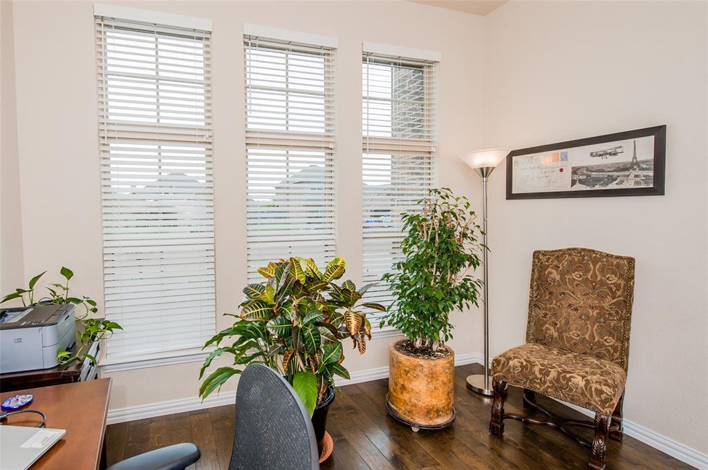 1604 Pacific Avenue, Ennis, Texas 75119 - acquisto real estate best prosper realtor susan cancemi windfarms realtor