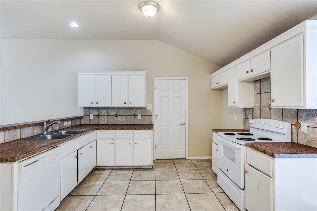 10632 Shadywood  Drive, Fort Worth, Texas 76140 - acquisto real estate best luxury buyers agent in texas shana acquisto inheritance realtor