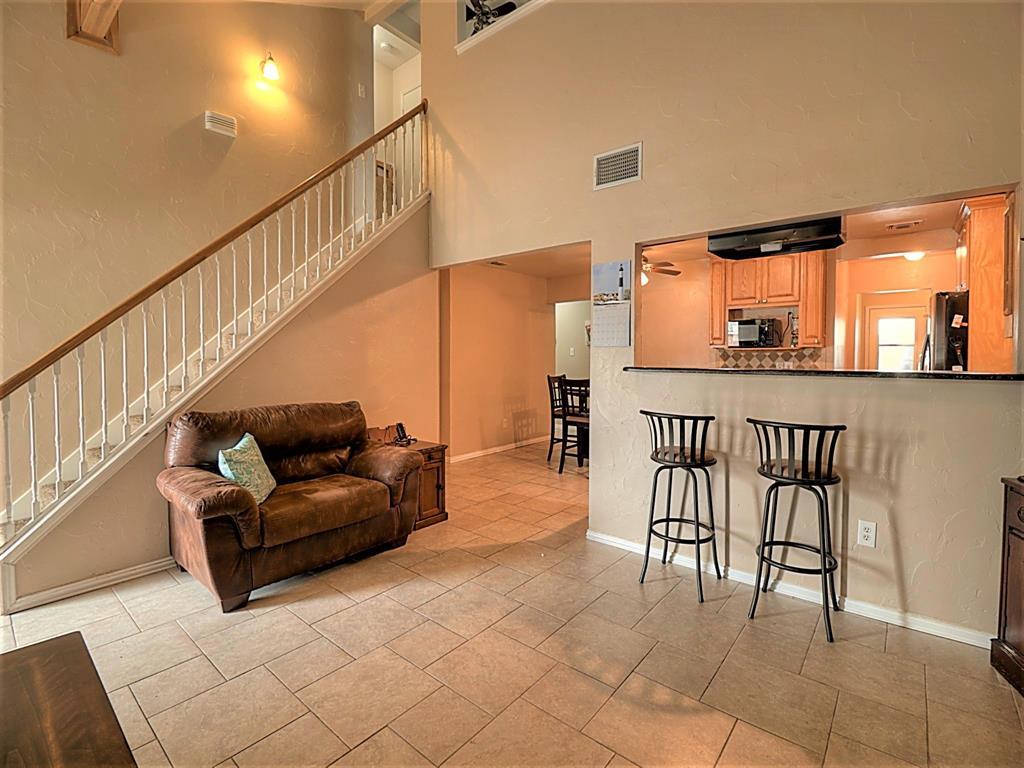 616 Creekview  Drive, Burleson, Texas 76028 - acquisto real estate best highland park realtor amy gasperini fast real estate service