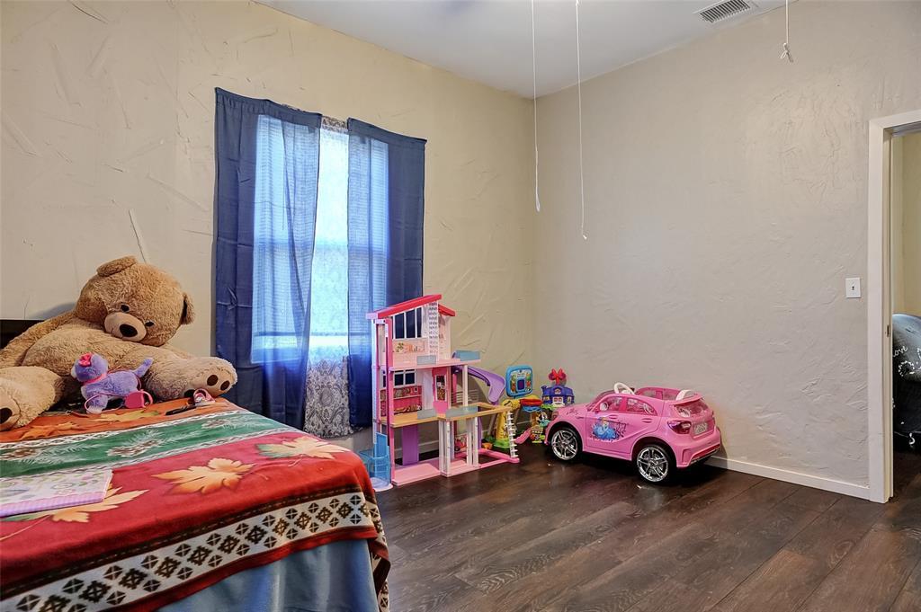 710 Scullin Avenue, Denison, Texas 75020 - acquisto real estate best realtor dallas texas linda miller agent for cultural buyers