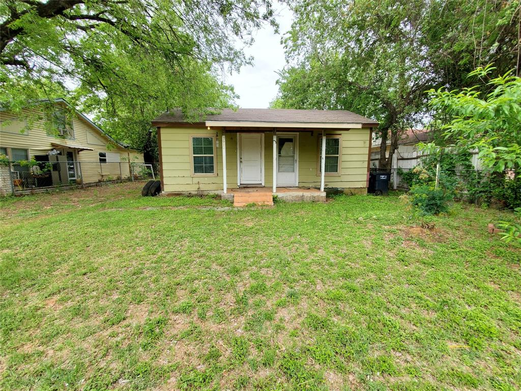 3913 Chenault Street, Fort Worth, Texas 76111 - Acquisto Real Estate best frisco realtor Amy Gasperini 1031 exchange expert