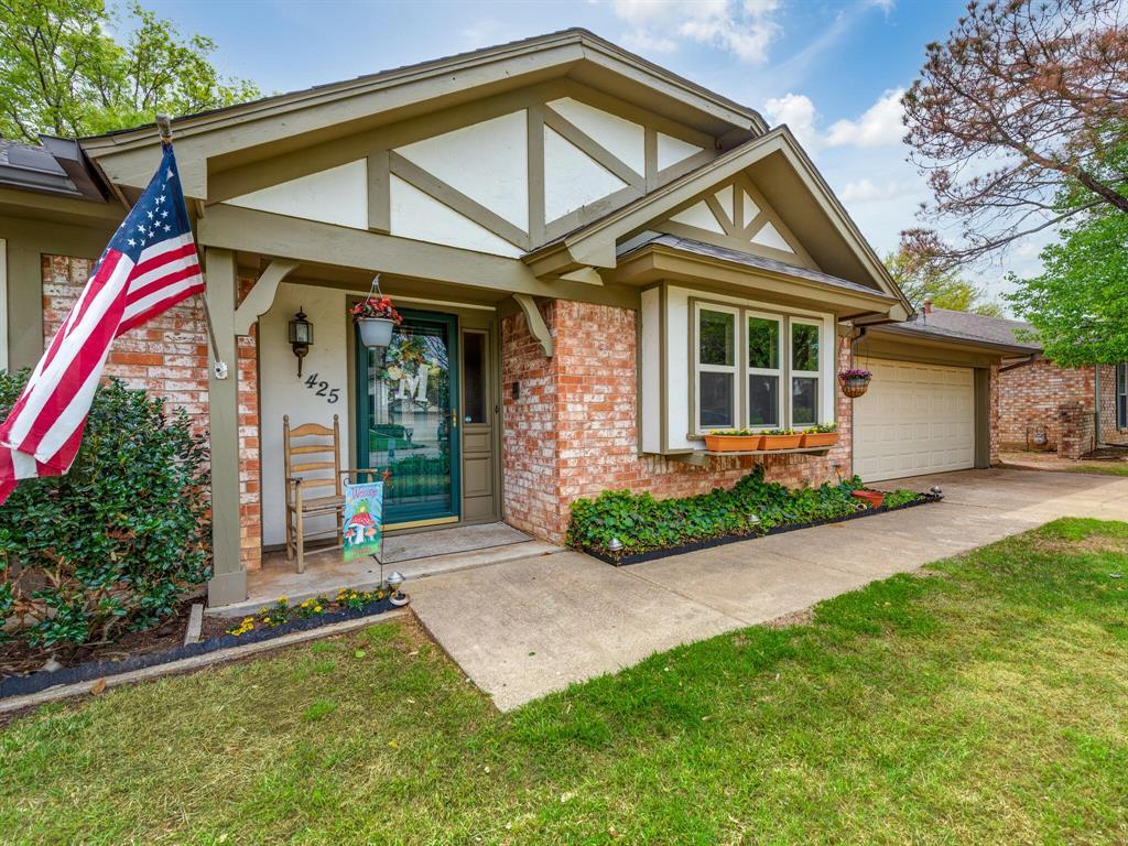 425 Mountainview Drive, Hurst, Texas 76054 - acquisto real estate best allen realtor kim miller hunters creek expert
